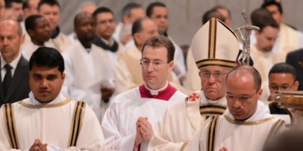 A Igreja tem 3 tipos básicos de celebração: memória, festa e solenidade